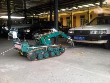Отработка осмотра днища автомобиля с помощью МРК-27-ВТ и подкатного устройства